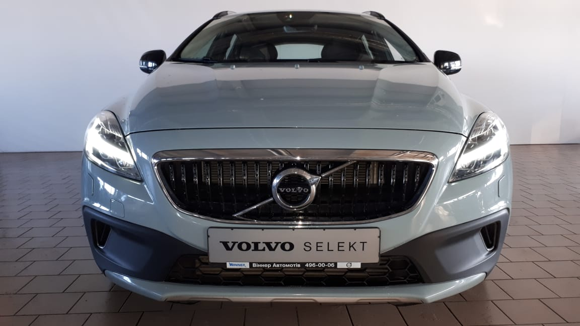 2016 V40 Cross Country Summum